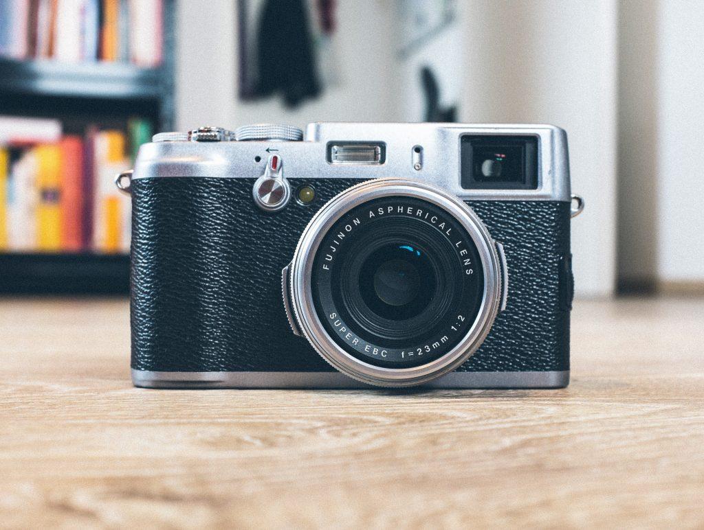 Kamery i aparaty fotograficzne