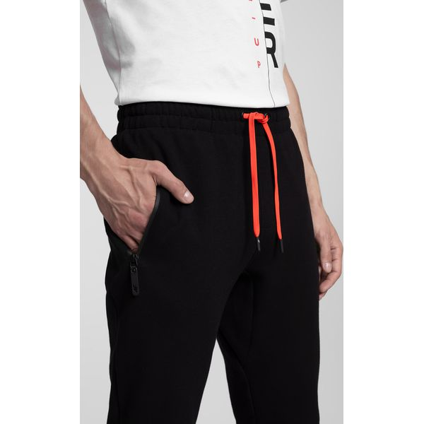 d3a85a0d9f48 Spodnie dresowe męskie SPMD260 - głęboka czerń - Spodnie sportowe męskie  marki 4F. Za 149.99 zł. - Spodnie sportowe męskie - Odzież sportowa męska -  Odzież ...