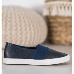 Buty slip on kolekcja obuwia wiosna 2020