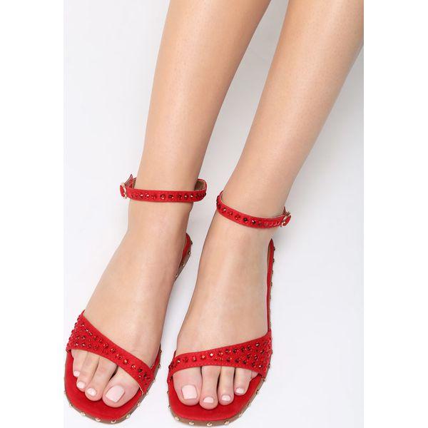 born2be czerwone sandały