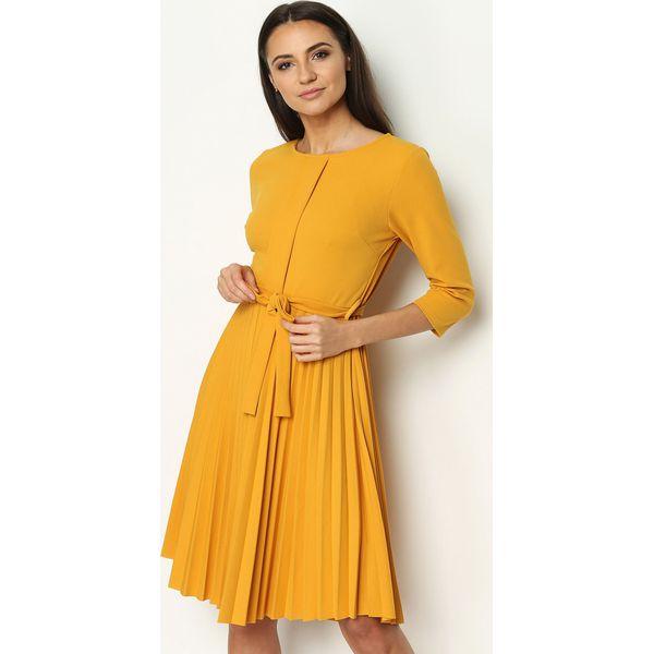 306f705ac0 Żółta Sukienka Pleated Belted - Sukienki damskie marki Born2be. Za ...