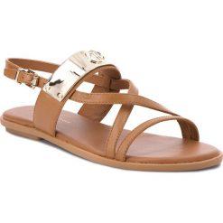 bb12824c72983 Sandały damskie: Sandały TOMMY HILFIGER – Flat Sandal With Th Bar  FW0FW02237 Summer Cognac 929