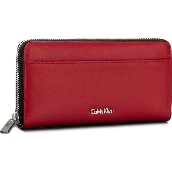 88672663e9aed Duży Portfel Damski CALVIN KLEIN BLACK LABEL - Compact Large Ziparo  K60K604353 618 - Czerwone portfele damskie marki Calvin Klein Black Label.