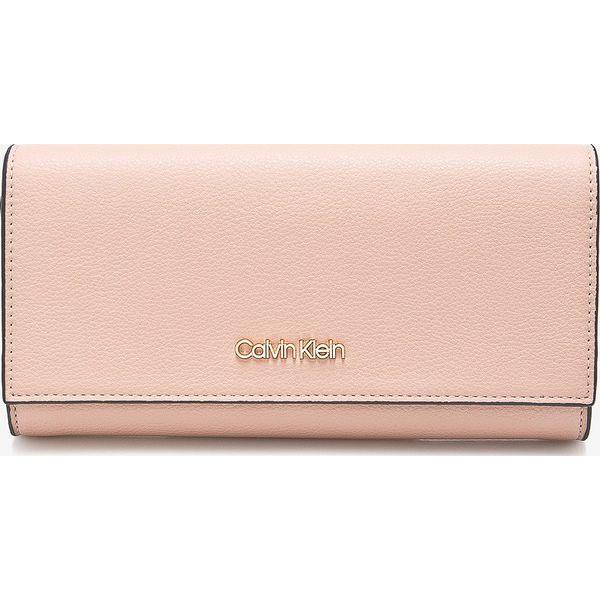 29df3d51d20287 Calvin Klein - Portfel - Różowe portfele damskie Calvin Klein, z ...