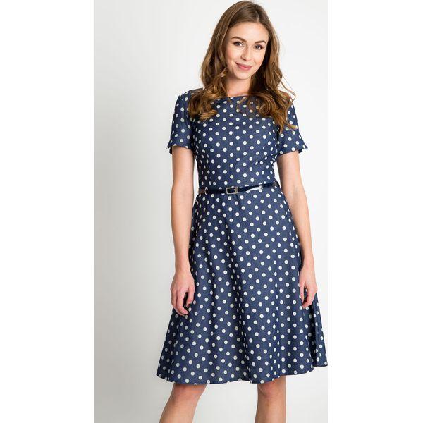 dfc2f3b3b981ef Granatowa rozkloszowana sukienka w groszki QUIOSQUE - Szare sukienki ...