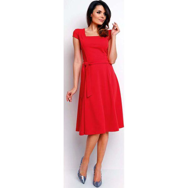 ff9b8e4ff0 Czerwona Wyjściowa Rozkloszowana Sukienka z Dekoltem Karo - Czerwone ...