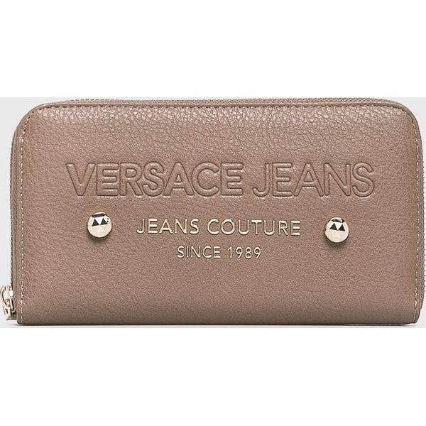 536bbac33e495 Versace Jeans - Portfel - Szare portfele damskie marki Versace Jeans, z  jeansu. W wyprzedaży za 239.90 zł. - Portfele damskie - Akcesoria damskie  ...