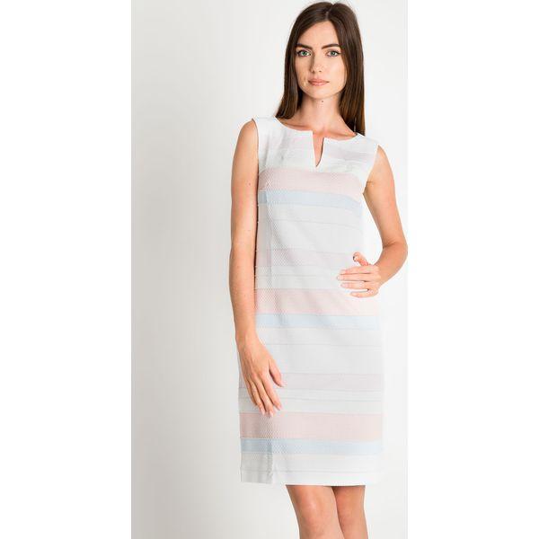 3f605d84ae Dopasowana sukienka w pastelowe pasy QUIOSQUE - Białe sukienki ...