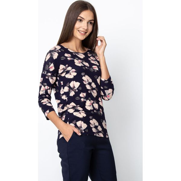 5d8d6da30f6d3d Granatowa bluzka w różowe kwiaty QUIOSQUE - Bluzki damskie QUIOSQUE ...