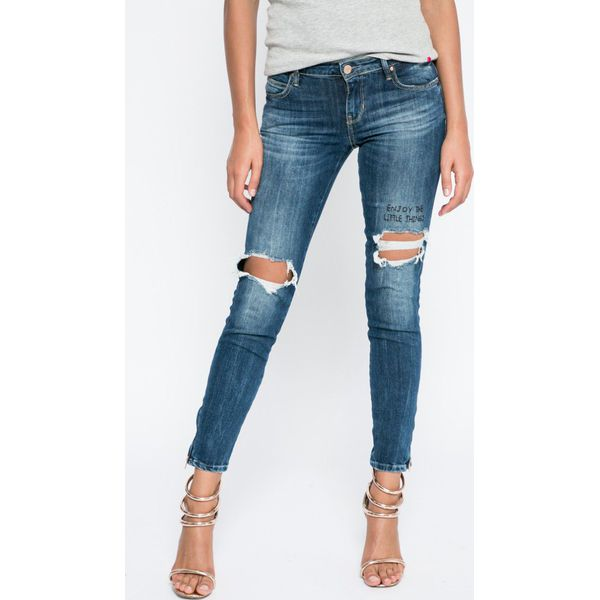 be059ff36a4e9 Guess Jeans - Jeansy - Niebieskie jeansy damskie marki Guess Jeans ...