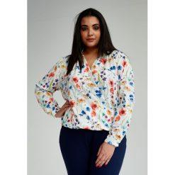 ee8187fbec1e Kopertowa Bluzka Julie w kwiaty duże rozmiary OVERSIZE PLUS SIZE WIOSNA.  Białe bluzki damskie marki
