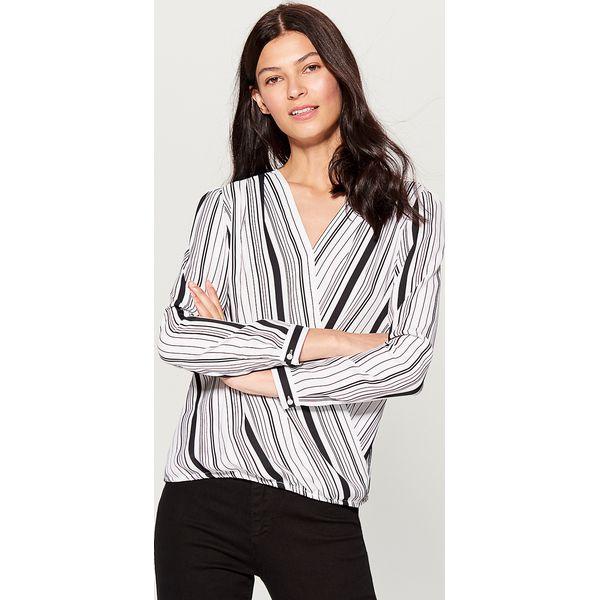 31afcffb85645b Kopertowa koszula - Biały - Koszule damskie marki Mohito. W ...