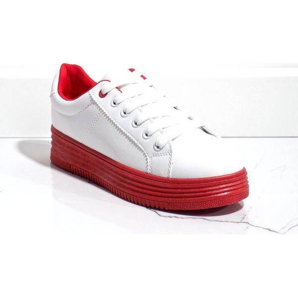 Białe trampki na grubej czerwonej podeszwie W 68