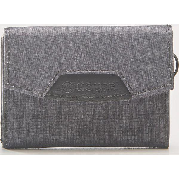 680f98146180c Materiałowy portfel - Jasny szar - Portfele męskie marki House. W ...