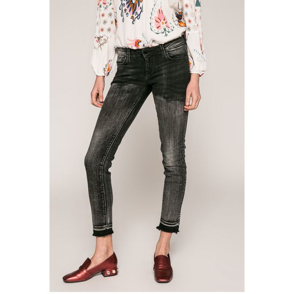 3c50c9f7ce171 Guess Jeans - Jeansy Beverly - Szare jeansy damskie marki Guess Jeans