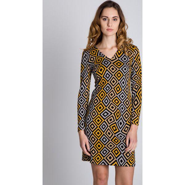 9ceb5d1769 Dopasowana sukienka we wzory z długim rękawem BIALCON - Sukienki ...
