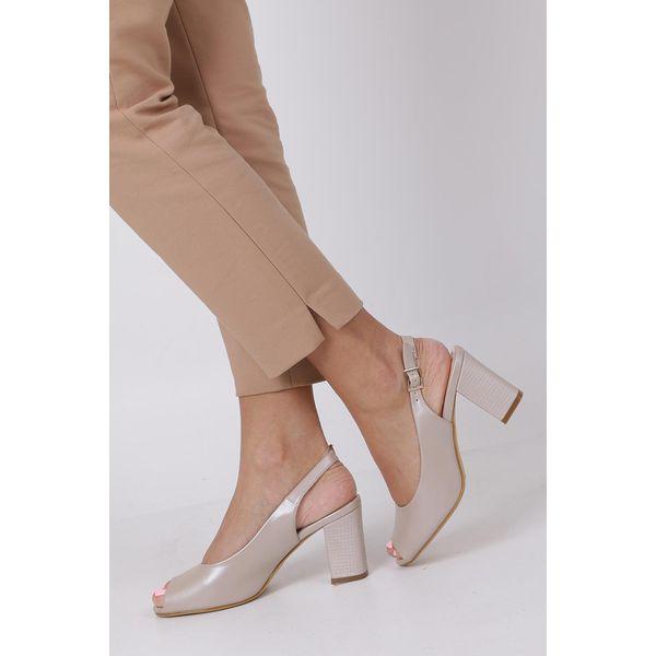 Beżowe sandały na słupku Madera w sklepie DeeZee.pl