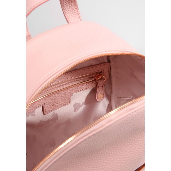 297c9a38a Ted Baker PEAREN SOFT GRAIN BACKPACK Plecak light pink - Sklep Radio ZET