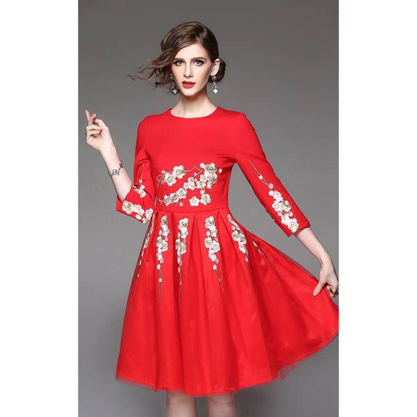 bb658fa29f Sukienka w kolorze czerwonym - Czerwone sukienki damskie marki ...