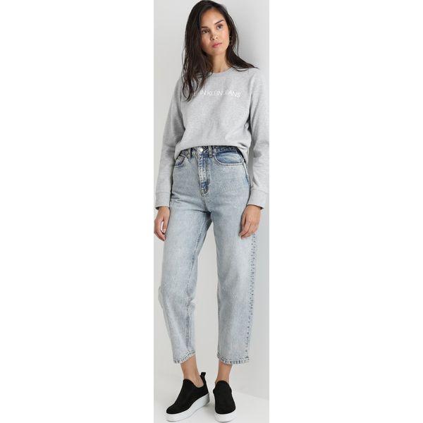 293dd13eb8b36 Calvin Klein Jeans INSTITUTIONAL LOGO SWEATSHIRT Bluza light grey ...