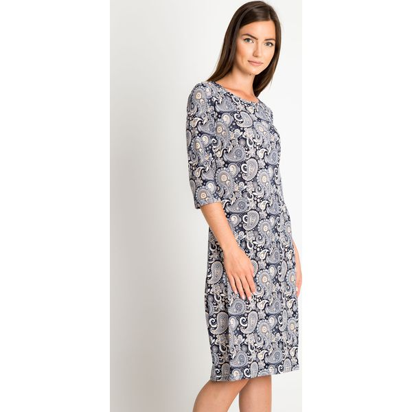 7cb9afe91d Granatowa prosta sukienka z orientalnym wzorem QUIOSQUE - Sukienki ...