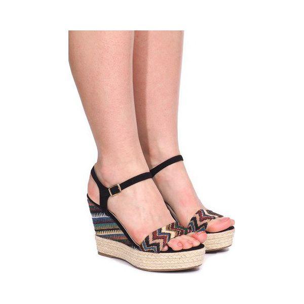 Czarne sandały na koturnie słomiane 9529