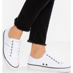 cfe7a13874117 ... Trampki i tenisówki damskie: Calvin Klein Jeans DELILAH MARTIN Tenisówki  i Trampki white