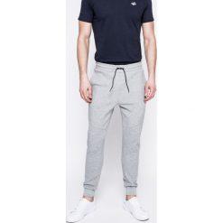 8378be3908c89 Guess Jeans - Spodnie. Spodnie materiałowe męskie marki Guess Jeans.
