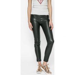 246ef07549380 Guess Jeans - Legginsy. Legginsy damskie marki Guess Jeans. W wyprzedaży za  299.90 zł ...
