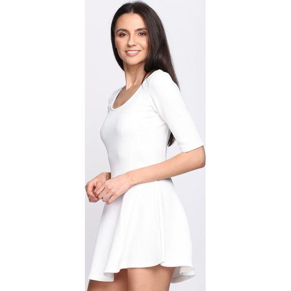 de296fc50e Biała Sukienka World Burn - Białe sukienki damskie marki Born2be