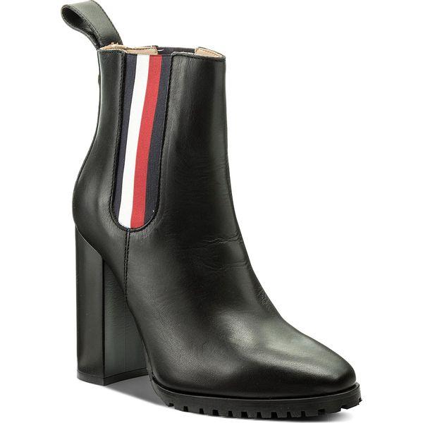 ef5a66781cdaa Botki TOMMY HILFIGER - Gigi Hadid Chelsea Boot FW0FW03018 Black 990 ...