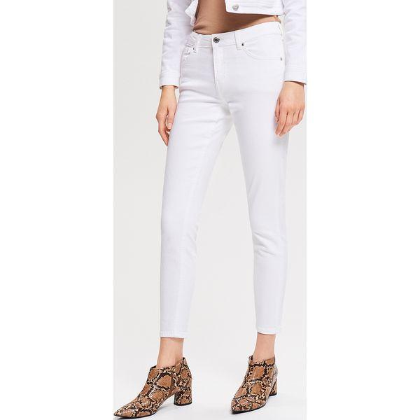 178c12eba9d5 Jeansy push up - Biały - Jeansy damskie marki Reserved. Za 99.99 zł. - Jeansy  damskie - Spodnie damskie - Odzież damska - Odzież - Sklep Radio ZET