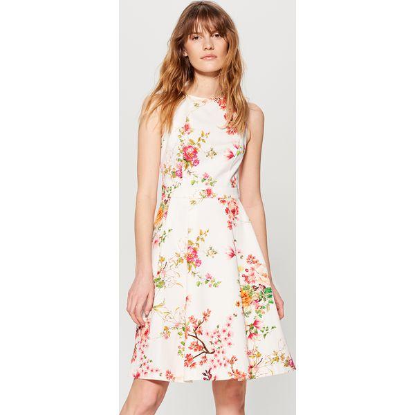 dd42702e Rozkloszowana sukienka z zakładkami - Wielobarwn