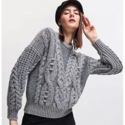 4e371da400fd Gruby sweter - Srebrny. Swetry nierozpinane damskie marki Reserved. W  wyprzedaży za 79.99 zł