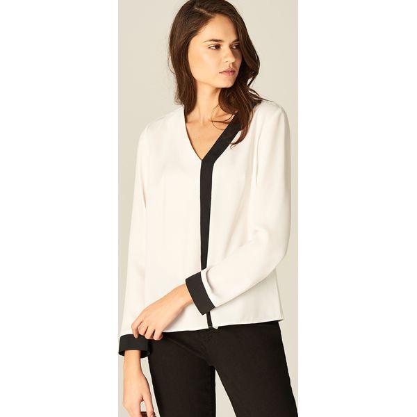 Elegancka Koszula Z Biały Kontrastowym Białe Wykończeniem by7f6vYg