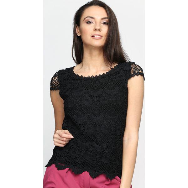 7a2c957638 Czarna Bluzka Wild Flower - Czarne bluzki damskie marki Born2be