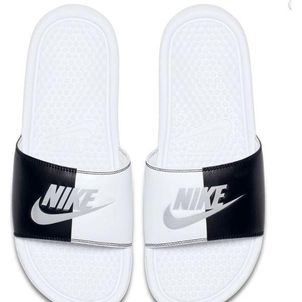 brand new f762d 25e1e Nike Klapki damskie Benassi Just Do It białe r. 36.5 (343881 104) - Białe  klapki damskie marki Nike. Za 93.44 zł. - Klapki damskie - Obuwie damskie -  Buty ...