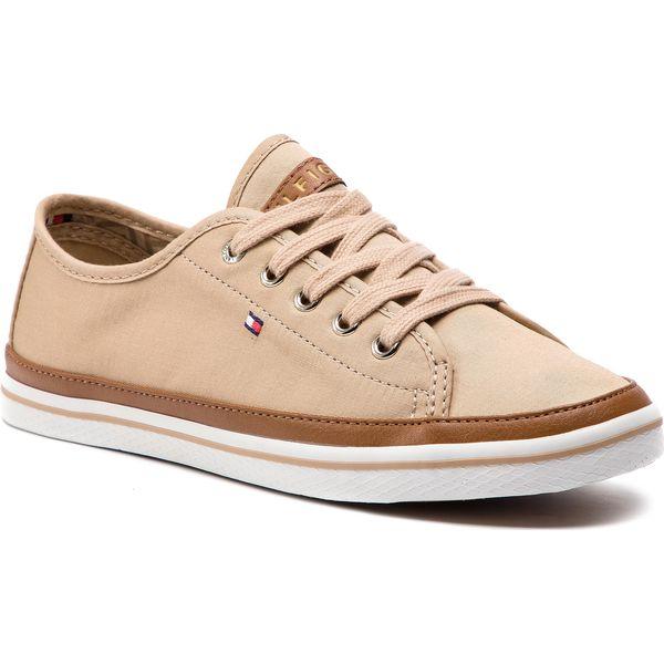 0ddb93f34d4bb Tenisówki TOMMY HILFIGER - Iconic Kesha Sneaker FW0FW02823 Desert ...