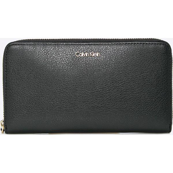 b3e23d4e346c0 Calvin Klein Jeans - Portfel - Czarne portfele damskie marki Calvin Klein  Jeans