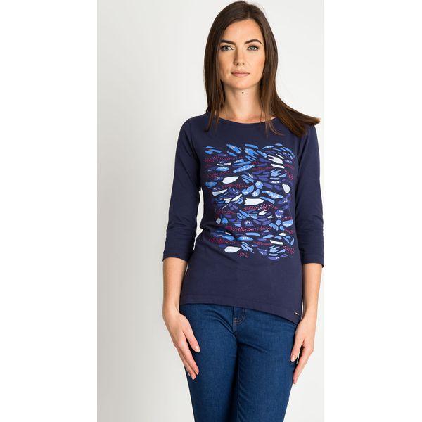 9254b5de90e4 Granatowa bluzka z rękawem 3 4 ze wzorem QUIOSQUE - Bluzki damskie ...