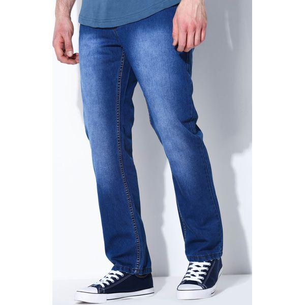 8155433772 Niebieskie Jeansy Simple Answer - Niebieskie jeansy męskie marki Born2be