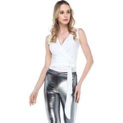 3cb4631612 Bluzki i tuniki damskie - Kolekcja wiosna 2019. -66%. Bluzka w kolorze  białym. Bluzki damskie marki Quincey
