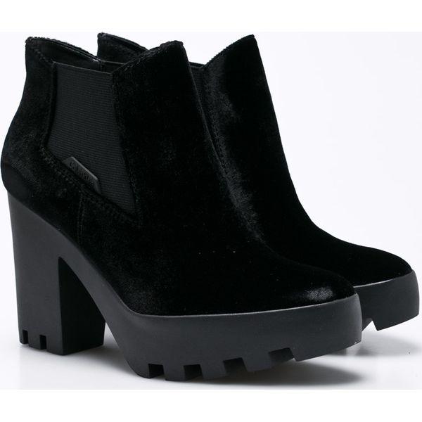 cacfeabdf55f6 Calvin Klein Jeans - Botki Sandy Velvet - Czarne botki damskie marki ...