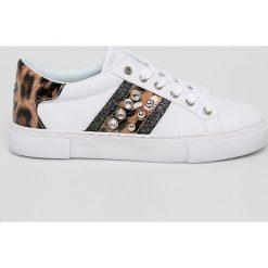 Wyprzedaż białe buty Guess Jeans Kolekcja wiosna 2020