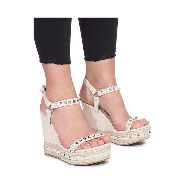 sandały damskie na koturnie z ćwiekami