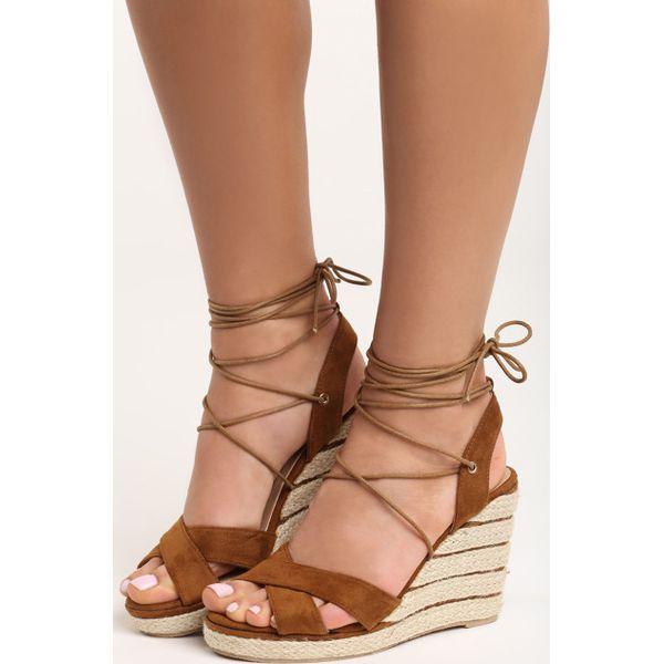 93833012 Camelowe Sandały Storm - Brązowe sandały damskie Born2be, z otwartym ...