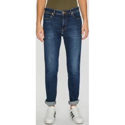 62cdae5d80448 Wyprzedaż - spodnie damskie marki Wrangler - Kolekcja wiosna 2019 ...