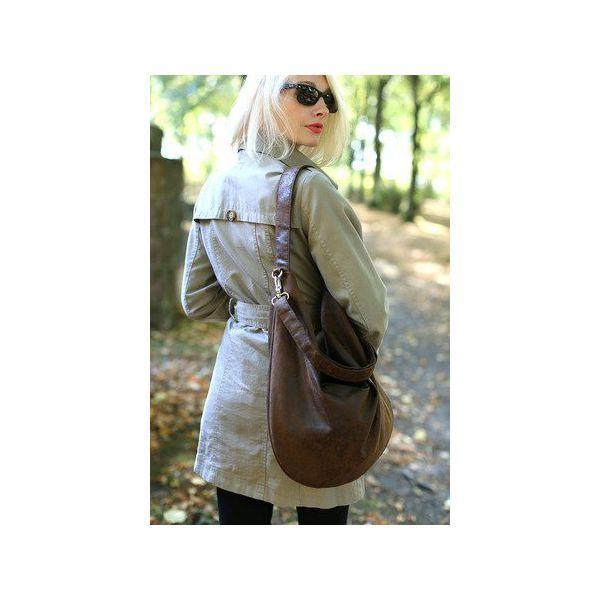 3895283342da9 Brązowa torba worek z zamszu ekologicznego do noszenia na ramieniu ...