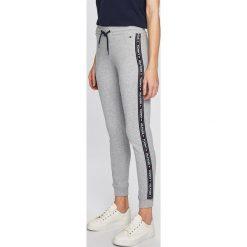 eb07db70ed847e Spodnie dresowe damskie Tommy Hilfiger - Kolekcja lato 2019 - Sklep ...