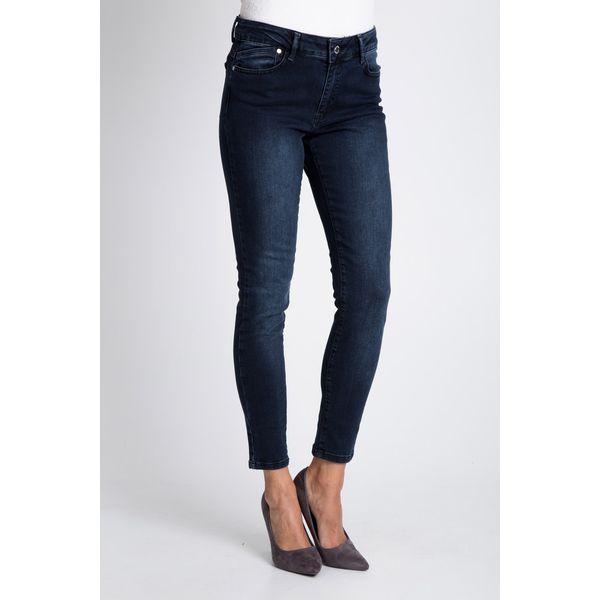 92e9a4ffb739f9 Dopasowane spodnie jeansy z regularnym stanem QUIOSQUE - Jeansy damskie  marki QUIOSQUE. W wyprzedaży za 59.99 zł. - Jeansy damskie - Spodnie  damskie ...